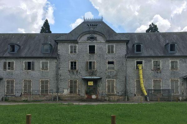 La façade du château de Wesserling. A l'intérieur, plus de 3000 m² de plancher sont à restaurer.