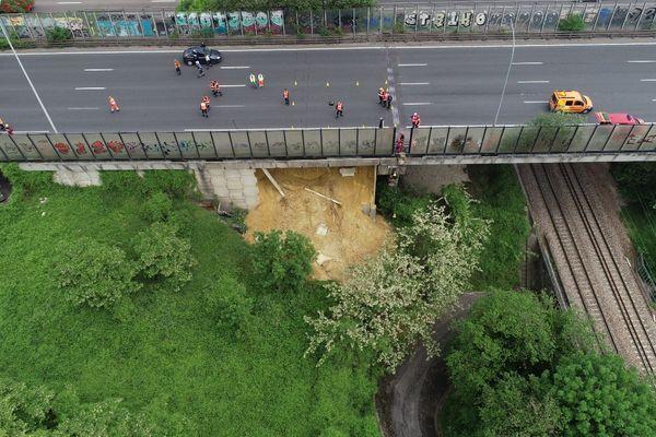Un affaissement sous le viaduc de l'A 15.