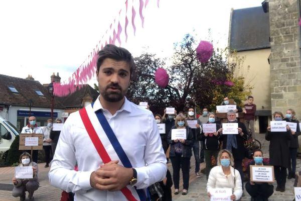 Alexandre Avril, le maire de Salbris dans le Loir-et-Cher s'adresse à Emmanuel Macron via les réseaux sociaux