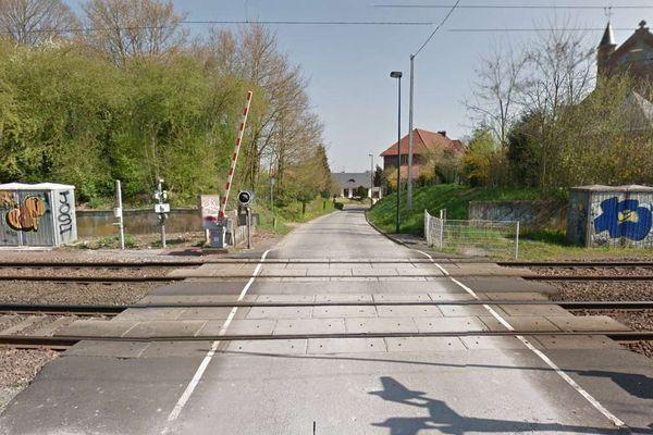 La circulation des trains a été interrompue après l'accident d'un TER à un passage à niveau à Feuchy.