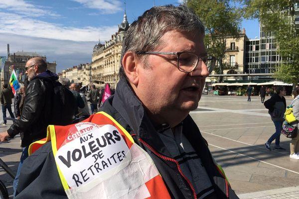 L'un des retraités qui ont manifesté ce 11 avril 2019 dans les rues de Montpellier pour défendre leur pouvoir d'achat.