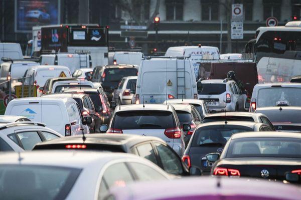 La circulation différenciée concerne Paris intra-muros et la petite couronne (illustration).