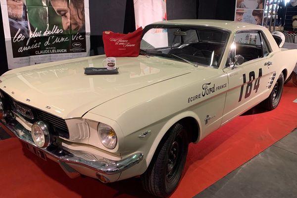"""La Ford Mustang du film de Claude Lelouch """" Un homme et une femme """"."""