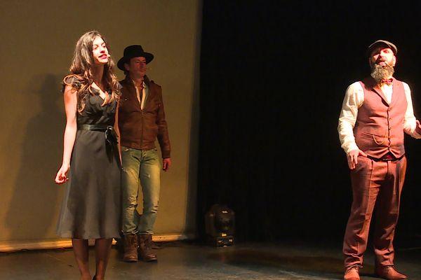 Cette comédie musicale niçoise, pilotée par Gil Marsalla, sur le thème Roxane de Cyrano commence à prendre forme.