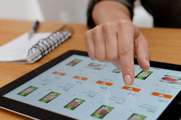 Choisir ses carottes ou ses pommes de terres sur internet et se faire livrer... Les plateformes numériques de ventes directes de produits frais se multiplient. Une formule qui séduit les producteurs comme ici dans le Loiret. (Photo illustration)