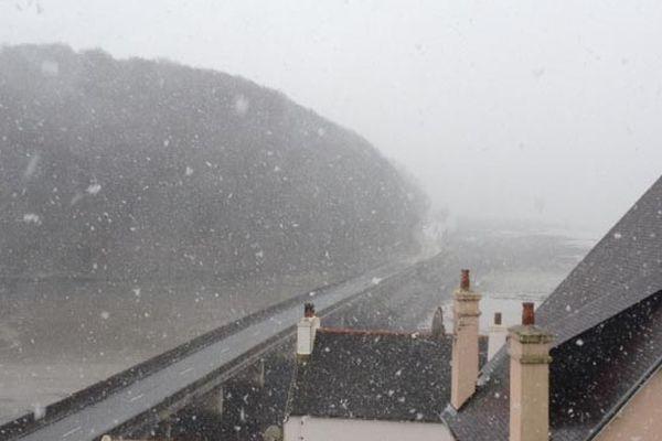 De gros flocons tombent sur le Nord du Finistère