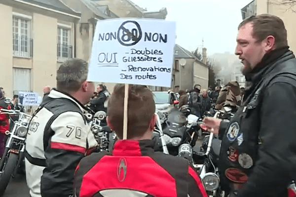 À Laon, 150 motards et automobilistes se sont rassemblés.