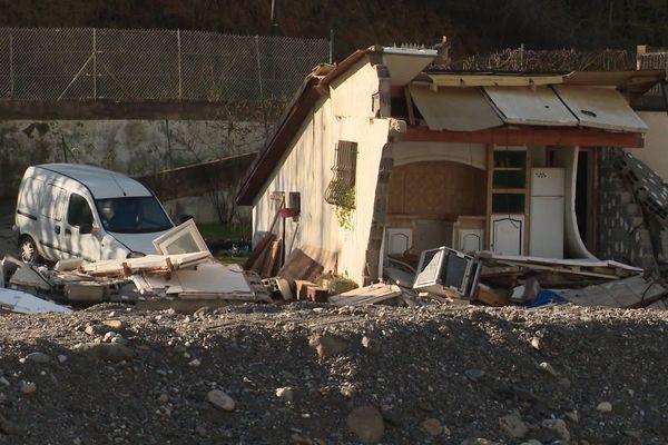 Une maison détruite suite au passage de la tempête Alex.