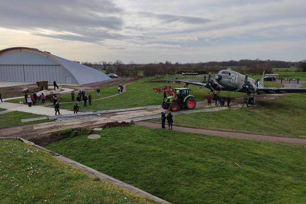 Le Dakota de Merville en route vers son hangar ce samedi 20 février.