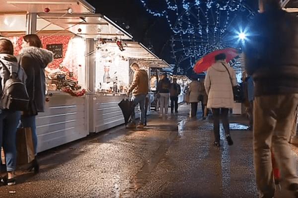 Peu de commerçants, peu de clients... Cette année, le marché de Noël 2018 du Havre ne séduit pas.