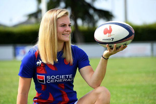 Chloé Jacquet, originaire de Viriat, dans l'Ain, se hisse en demi-finale du rugby à 7