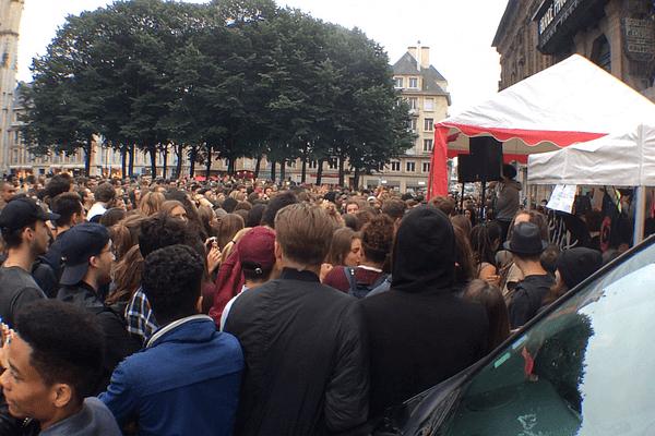 Rouen : foule place de la cathédrale pour la fête de la musique 2016