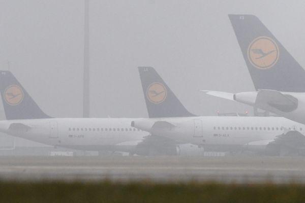 Les avions de Lufthansa cloués au sol par une grève des pilotes.