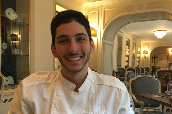 Alexandre Guibert, apprenti pâtissier à l'auberge du Jeu de Paumes de Chantilly, représente l'Ile-de-France aux Olympiades des métiers.