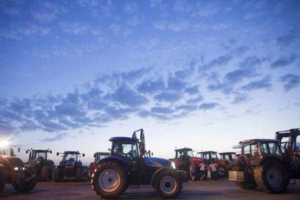 Le ciel se dégage pour le producteurs de lait, Lactalis s'engagerait à leur payer 290 € en moyenne la tonne de lait, contre 256 auparavant.