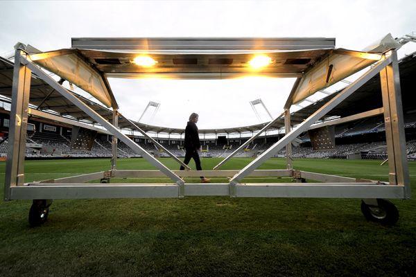 Les rampes de luminothérapie, technique adoptée au Stadium de Toulouse depuis 2016