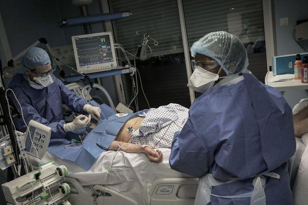 Le service de réanimation de la clinique Ambroise Paré Neuilly-sur-Seine acceuille 15 patients atteints du covid19 ce mercredi 25 mars.