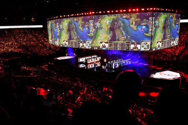 Environ 3,7 millions de spectateurs ont visionné la finale du championnat mondial de League of Legends (source : Esport Charts). Paris, 10 novembre 2019.