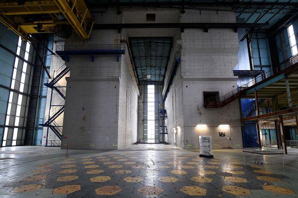 Dans le réacteur Chinon A2, qui servira de terrain d'essai.
