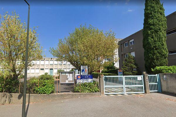 Le collège de Grazailles à Carcassonne est resté fermé ce lundi matin.