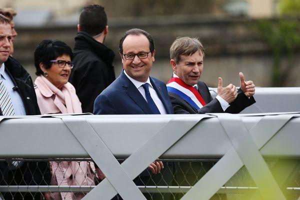 Le président de la République, François Hollande, et le député-maire (PS) d'Alençon Joaquim Pueyo ce jeudi 4 mai
