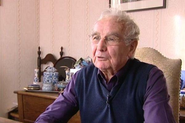 Robert Hébras, rescapé du massacre d'Oradour-sur-Glane, à nouveau victime d'insultes !