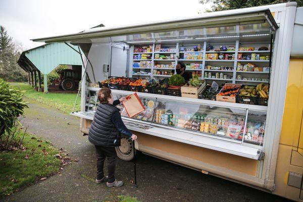 Le Secours Catholique Marne-Ardennes travaille sur un projet d'épicerie solidaire itinérante. Il sera mis en place sur le territoire de Bogny-sur-Meuse et Monthermé dans les Ardennes.