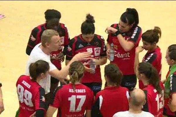 L'équipe du HBC Nîmes battue 33 à 21 en 8 ème de finale de la coupe EHF à Randers au Danemark - 16/01/2016