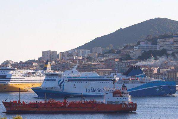 Ce vendredi 1er mai les marins du monde entier sonnent la corne de brume  de leur navire pour rendre visible leur profession.