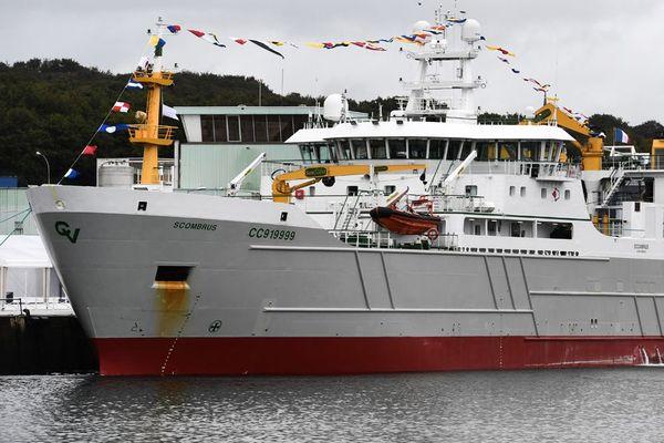 La Scombrus, nouveau bateau de France Pélagique, suscite la colère d'associations écologiques et des pêcheurs