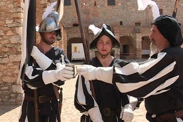 La forteresse de Salses-le-Château dans les Pyrénées-Orientales était à la fête tout le week-end. Deux jours de reconstitution historique avec figurants en costume pour la troisième édition des Historiades - 14 mai 2017