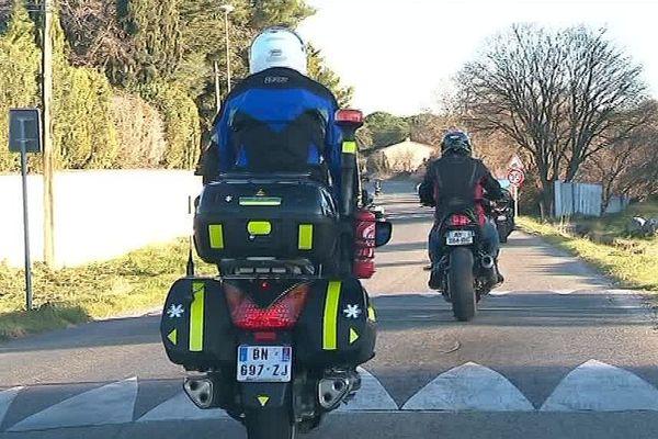 Les ralentisseurs sauvent des vies, mais sont dangereux s'ils ne respectent pas les normes, selon les motards de la FFMC