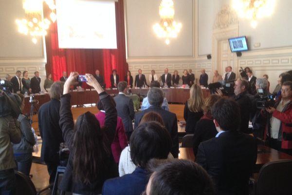 Le conseil municipal de Tours a débuté sa séance par une minute de silence en hommage à Jean Germain, maire de 1995 à 2014.