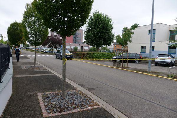 Un important dispositif de sécurité mis en place autour de l'école Alexandre Dumas de Volgelsheim ce lundi 20 septembre