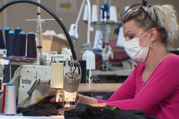 Deux formations par an seront organisées par l'entreprise pour former les débutants dans les métiers de la couture.