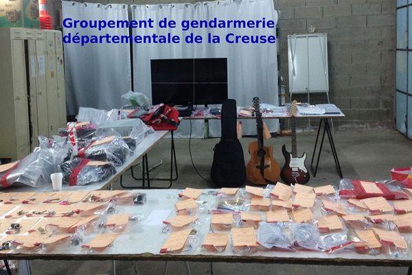 Les objets découverts lors des perquisitions réalisées le 20 mai 2016 dans la Creuse aux domiciles des supects