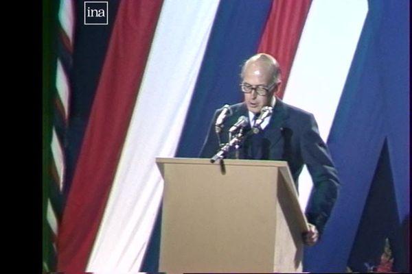 Le Président de la République Valéry Giscard d'Estaing en 1980 à Baume-les-Dames (Doubs).