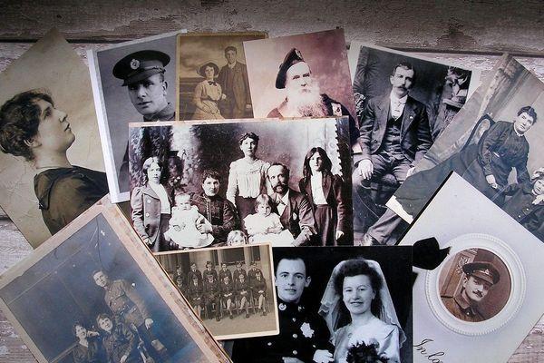 Des carnets, des photos, des traces du passé... Faites vous partie de ceux qui se passionnent pour leur histoire familiale ?