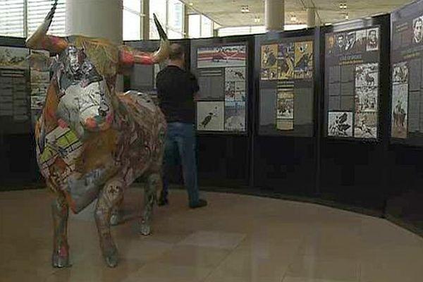 """Nîmes - l'exposition """"tauromachies universelles"""" au Carré d'art - 2016."""