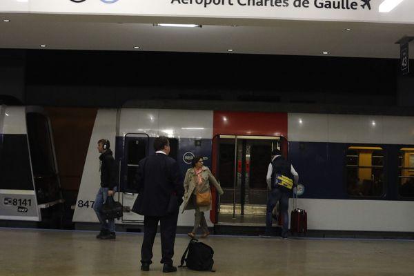 Le RER B, à Gare du Nord.