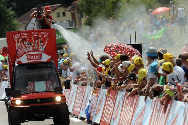 La caravane publicitaire sur le Tour de France 2017 qui était passé dans le Jura.