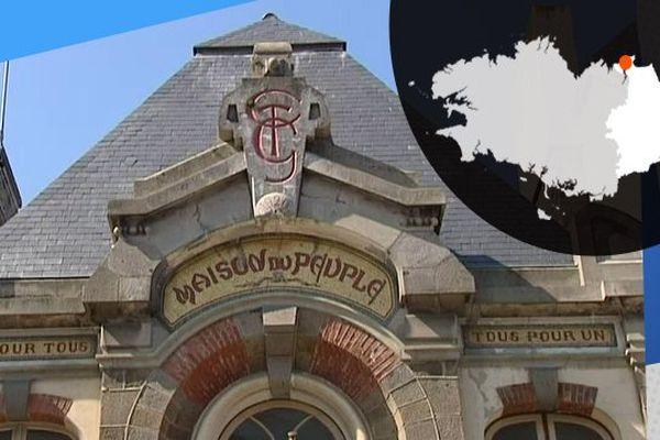L'empreinte de la CGT, sur la façade la Maison du Peuple à Saint-Malo
