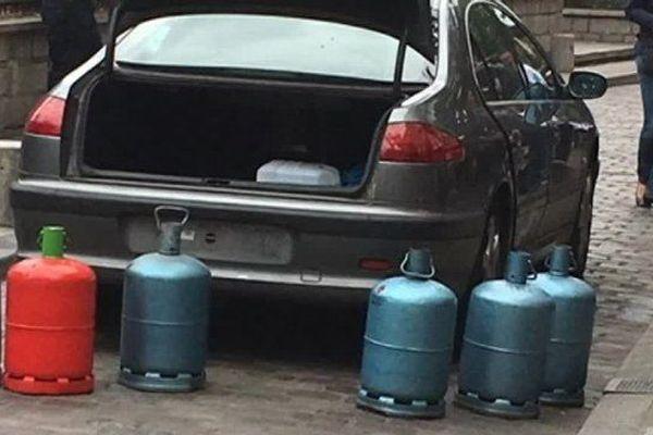 Le 4 septembre 2016, une voiture piégée, chargée de six bonbonnes de gaz, avait été retrouvée abandonnée non loin de la cathédrale.