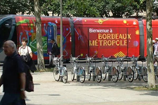 Les bus et trams bordelais aux couleurs de l'Euro