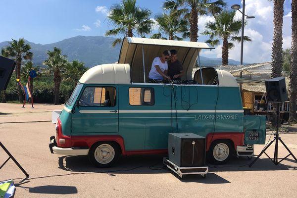 La Donna Mobile - Un soundsystem électro sur 4 roues de l'association Art et Noces Troubles.