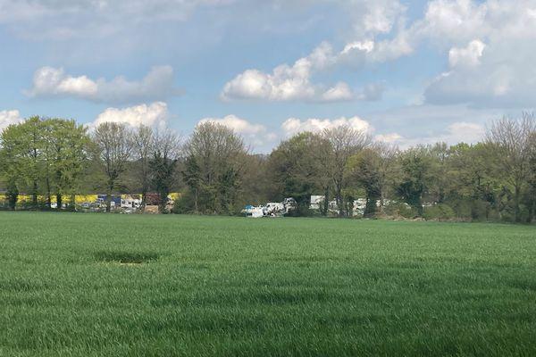 Le site de la rave du 1er mai, au Haut-Corlay, dans les Côtes d'Armor