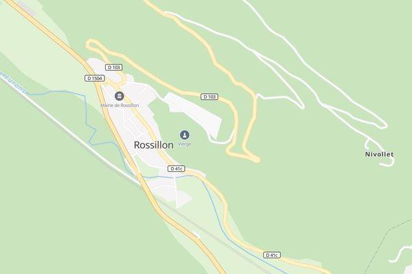 La RD 103 serpente au-dessus de Rossillon (Ain).