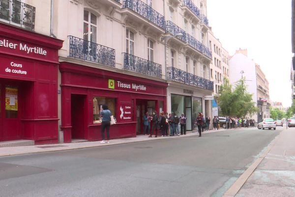 La boutique Myrtille à  Nantes prise d'assaut par les acheteurs d'élastique et de tissu