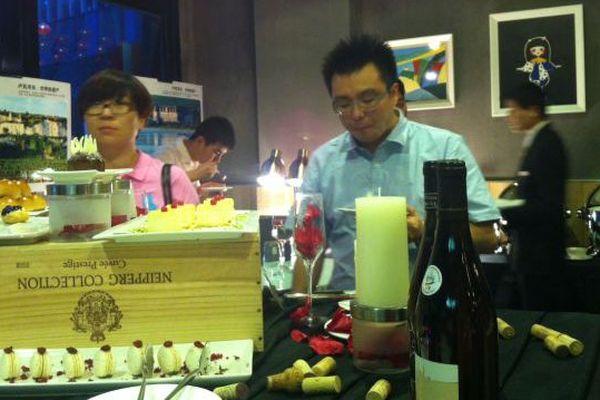 Présentation de la gamme des Vins de Loire dans un bar branché de Changsha, au sud est de la Chine. 4 mai 2015