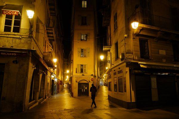 Un an après le premier confinement, la situation a empiré à Nice.